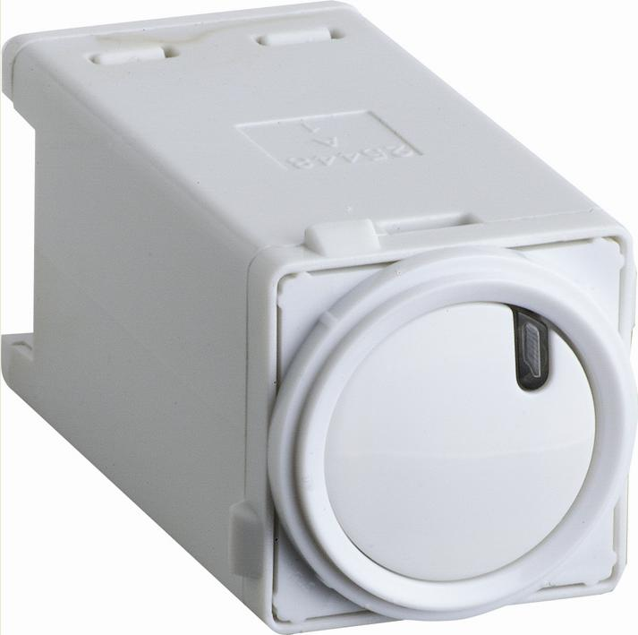 Hpm 10a White Double Power Point With Extra Switch Bunnings
